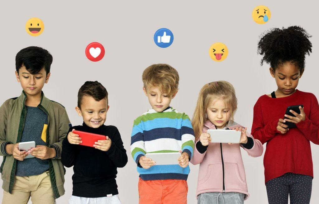niñas en internet